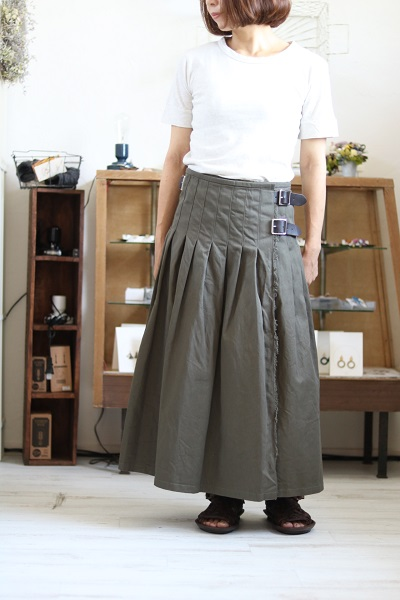 画像1: O'neil of Dublin CHINO LOW WAIST PLEATS SKIRT  KHAKI