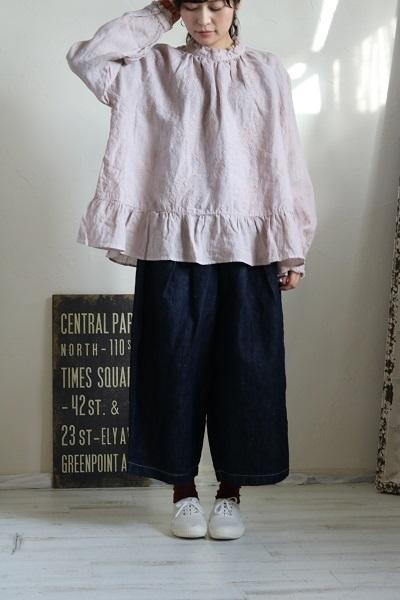 画像1: tumugu リネンフラワー刺繍プルオーバー 2色